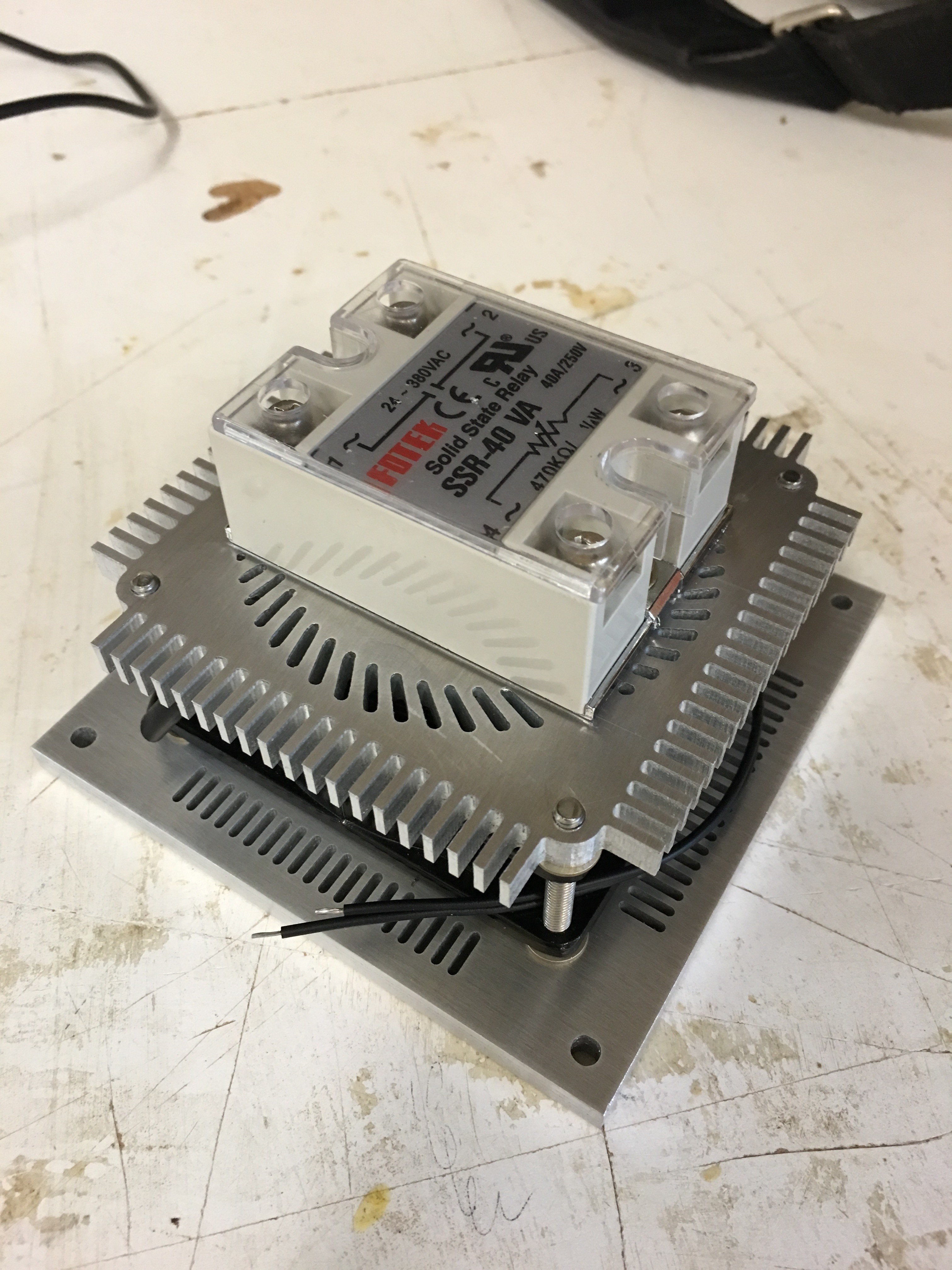 Phase Control Modulator Using Solid State Relay Projects Vhs Small Wiring Diagram Cd586f6032d5647dce45302da17b80d2ac26c6603024x4032